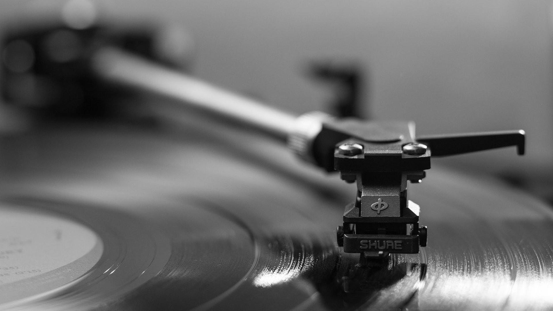 Découvrir de nouveaux artistes grâce à un abonnement pour les vinyles